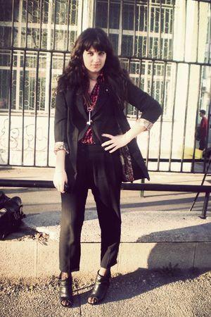 black blazer - black pants - red shirt - black shoes
