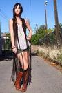 Vintage-vest-vintage-boots-uo-shorts-forever-21-top