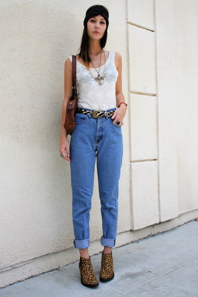UO top - vintage jeans - vintage accessories - Jeffrey Campbell boots