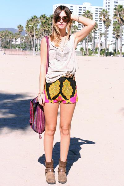 diy vintage shorts - DIY handmade shirt - Harley Davidson boots - Oscar de la Re