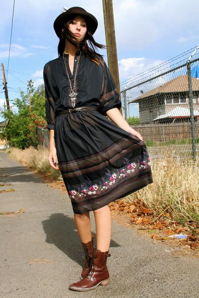 vintage dress - vintage boots