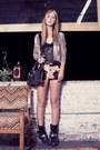 Harley-davidson-boots-vintage-bag-hemmed-cow-vintage-shorts
