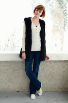 black faux fur romwe vest - navy seamed flared Mango jeans