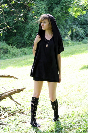 black hooded t-shirt complex geometries shirt