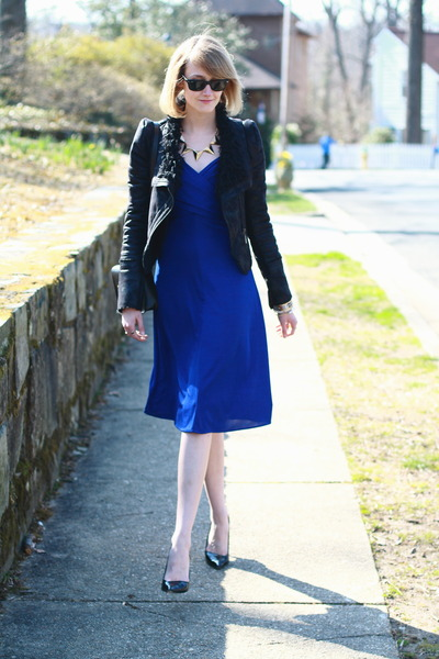 Blue Wrap Karen Zambos Dresses, Black Romwe Jackets, Black Mini ...