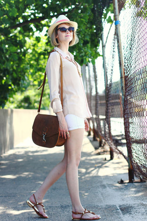 beige silk Equipment skirt - beige straw fedora Lou Lou hat