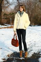olive green tory burch boots - ivory fur vintage coat - navy skinny jeans H&M je