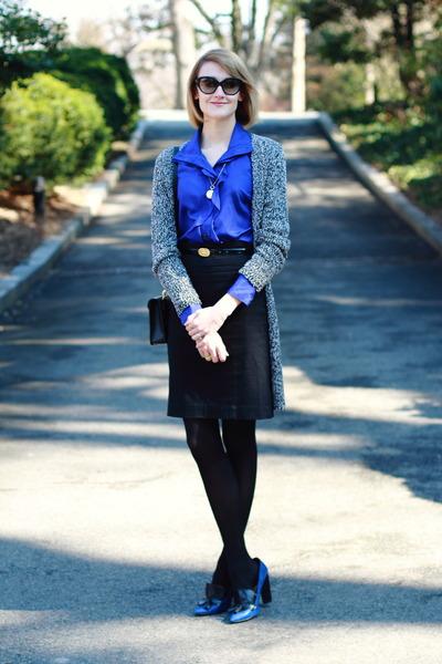 blue shirtdress Sunner dress - black cat eye ray-ban sunglasses