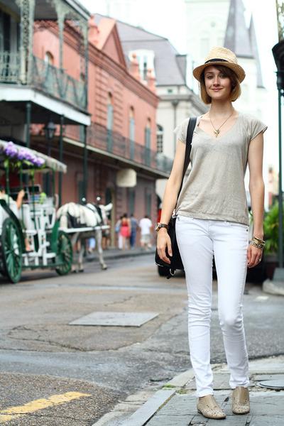 mustard straw fedora banana republic hat - white skinny Mango jeans