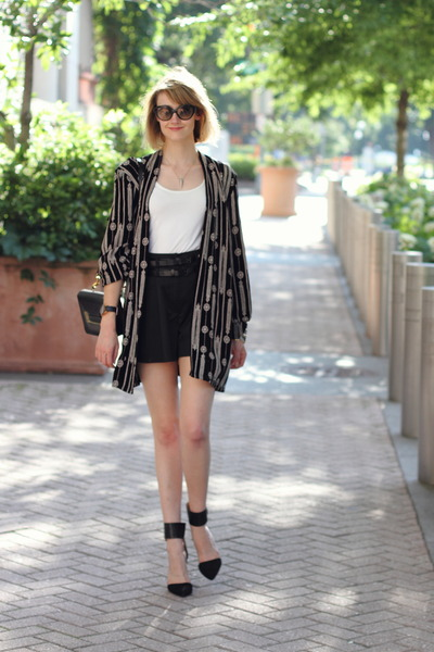 black robe vintage jacket - black mini Sophie Hulme bag