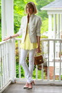 Mustard-structured-vintage-bag-white-skinny-mango-jeans