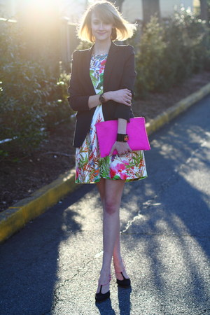 hot pink clutch asos bag - white floral Zara dress - black tailored Zara blazer