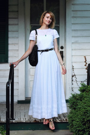 white maxi vintage dress - black western vintage belt - black sandals Zara flats