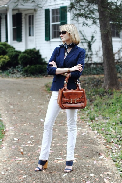 navy seersucker banana republic blazer - white skinny jeans Mango jeans