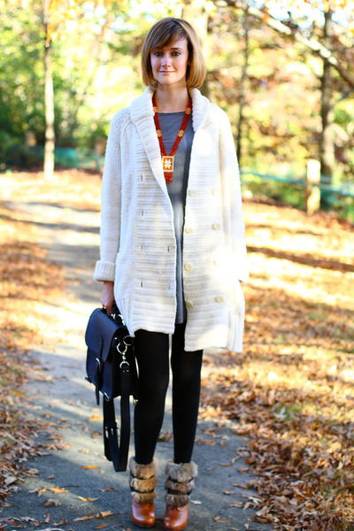 ivory chunky Gap sweater - camel fur-trimmed Dolce Vita boots