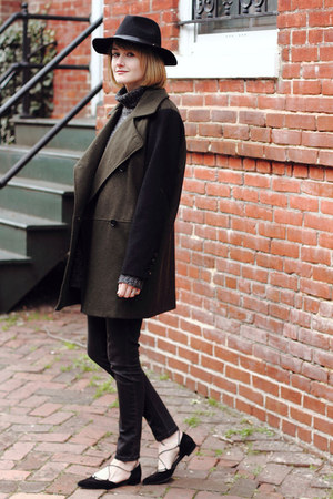 black lace-up stuart weitzman flats - dark green contrast sleeve Mango coat