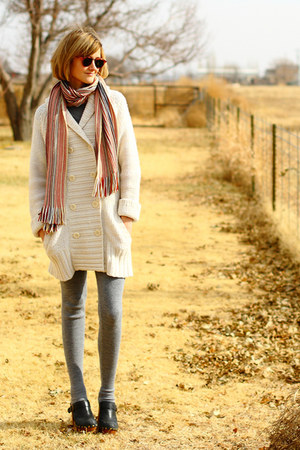gray knit extra-long H&M leggings - ivory oversized Gap sweater