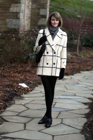 white vintage coat - black vintage shoes - black KMRii purse - black H&amp;M gloves 