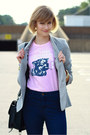 Light-pink-graphic-threadless-t-shirt-navy-high-waisted-j-brand-jeans