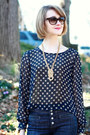 Gold-knot-detail-adia-kibur-necklace-navy-high-waisted-7-for-all-mankind-jeans