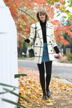 cream plaid vintage coat - black mini Sophie Hulme bag