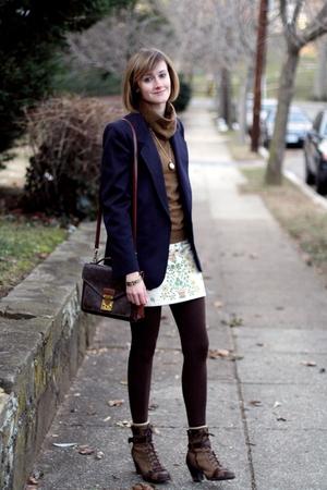 blue vintage blazer - white Alice  Olivia skirt - brown Louis Vuitton purse - br