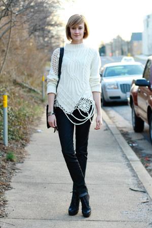 black lace-up booties Pour La Victoire boots - black snakeskin print H&M jeans -