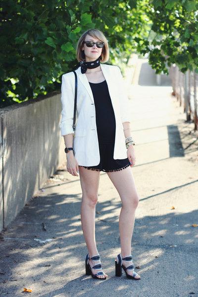White-ann-taylor-blazer-black-bandana-urban-outfitters-scarf