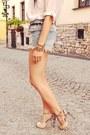 Beige-sarenza-sandals