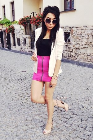 hot pink H&amp;M skirt