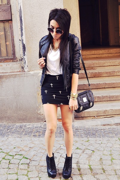 black Bershka skirt