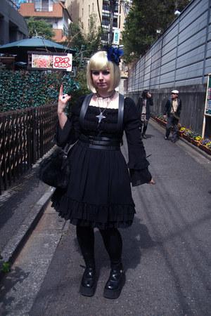 blue Moi-meme-Moitie hair accessory - black platform Demonia shoes