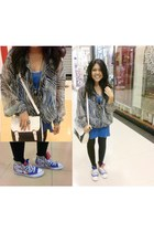 see through jacket - black tights - bag - hi top sneakers - blue top