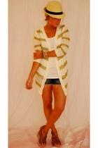 Lumiere sweater - Diana Warner earrings