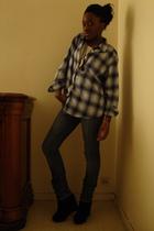 blue vintage shirt - blue Zara jeans - white top - black shoes - Marc Jacobs nec