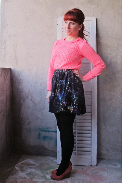 galaxy Romwecom skirt - H&M sweater