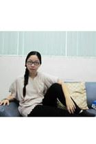 Uniqlo leggings - ruffled blouse - necklace - oxfords SO FAB flats