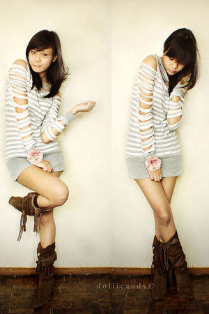 dark brown m boots - bubble gum accessories - silver landmark shirt