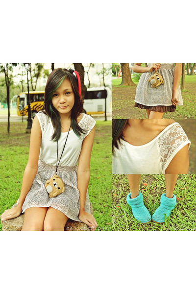 aquamarine LIVS boots - coral fab dress