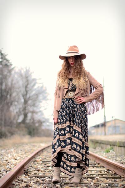 beige mjus boots - black Spell Designs dress - nude Topshop hat