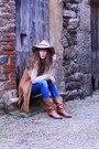 Tawny-vintage-boots-blue-salsa-jeans-beige-topshop-hat