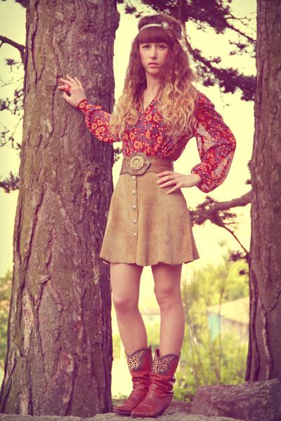 tawny vintage boots - beige vintage skirt - tan vintage belt