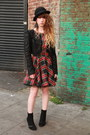 Red-river-island-dress-black-jack-jones-hat-black-only-one-jacket