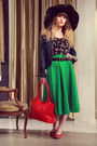 Black-alanis-hat-red-les-ptites-bombes-bag-green-lavand-skirt