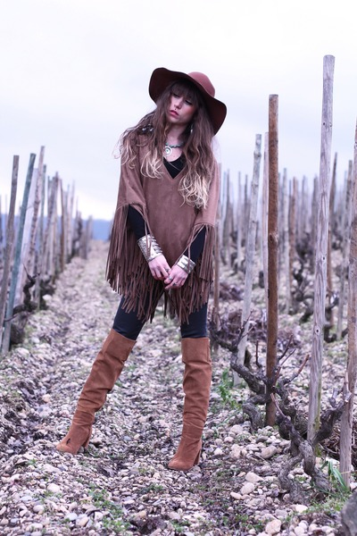 tawny Zara boots - tawny American Apparel hat - tawny emas blues cape