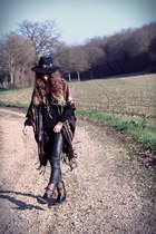dark brown mjus boots - black Missguided hat - dark brown Doll Poupée hat