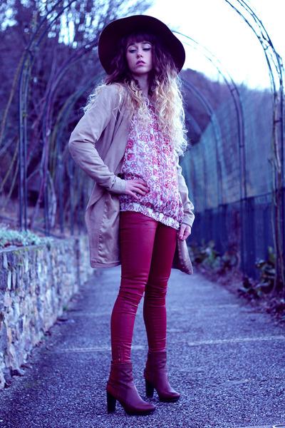 ruby red Reiko pants - tawny Pepe Jeans boots - tan Vero Moda coat
