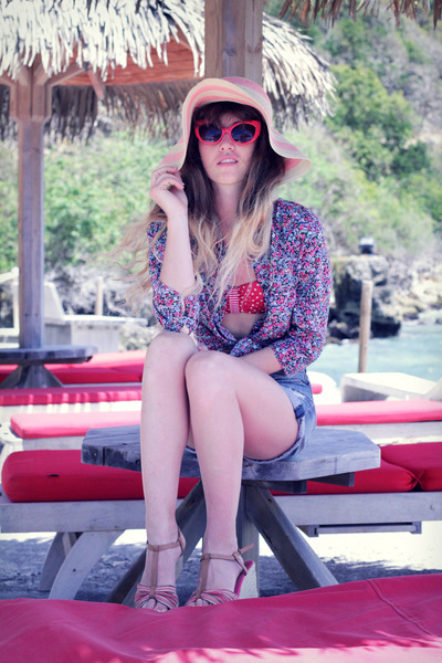 tan pieces hat - blue Only shirt - periwinkle Zara shorts