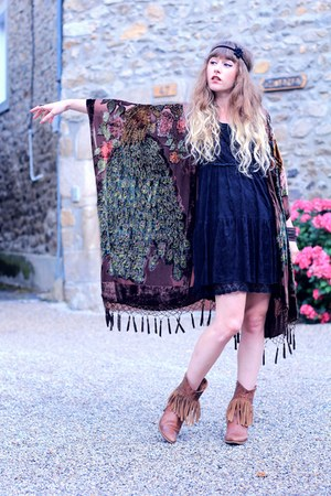 brown H by Hudson boots - black Molly Bracken dress