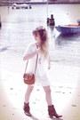 Dark-brown-h-by-hudson-boots-white-vila-dress-dark-brown-only-bag